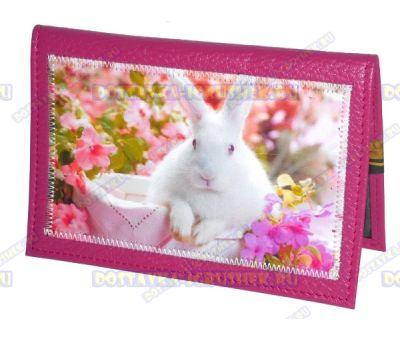 Обложка на паспорт с рисунком 'Белый кролик' розовая, нат.кожа.